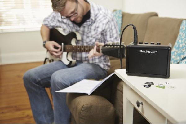 amplifer của đàn guitar