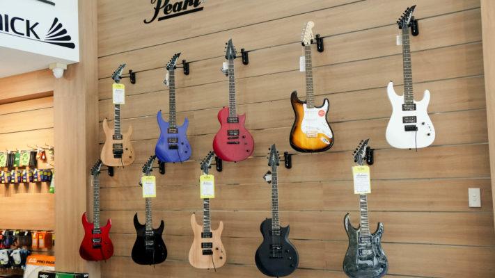 cửa hàng đàn guitar việt thương
