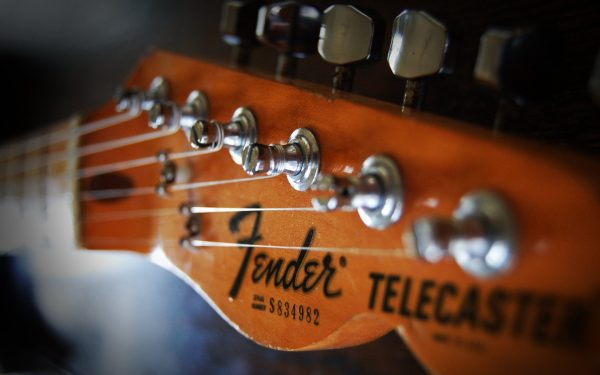 Mua đàn của thương hiệu Fender ở đâu tốt nhất?