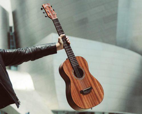Bàn tay nhỏ có chơi được đàn guitar không? 1