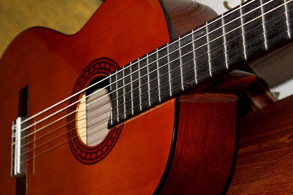 Top thương hiệu đàn guitar classic cao cấp nhất 1